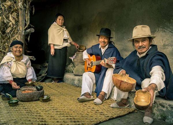 debido vestimenta pueblos más su del reconocida La Otavalo nacionalidades y y los Kichwa simbolismo del es entre demás elegancia la a pueblo Ecuador T7q0wd0xS