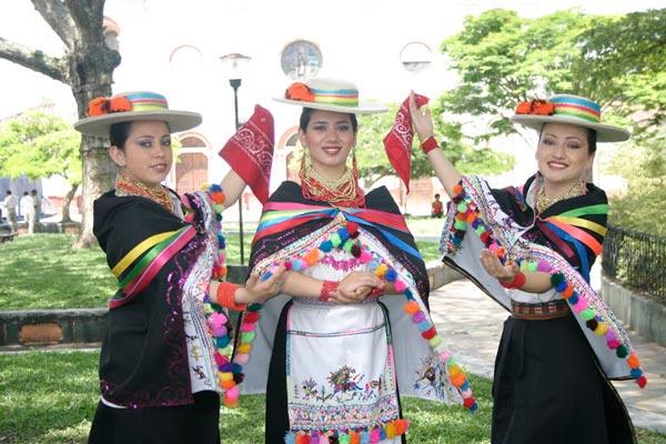 6937a13bb7 Vestimenta de la Sierra ecuatoriana (Trajes típicos) Foros Ecuador 2019